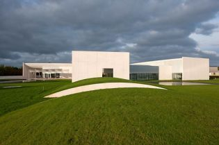 heart Herning Museum for contemporary art (219 images)