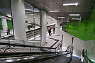 station Graf-Adolf-Platz (43 images)