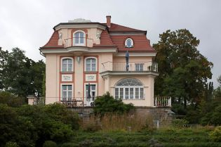 Villa Hottenroth (images)