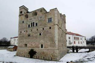 castle Sarospatak (images)