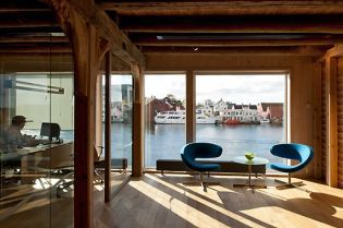 Smedasundet office building in Haugesund (images)