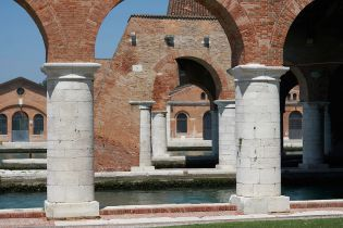 Arsenale (144 images)