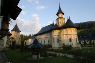 Putna monastery (181 images)