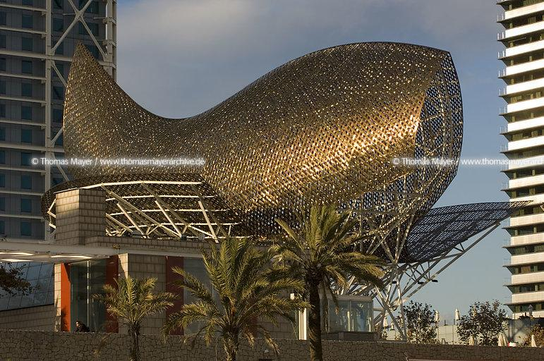 fish-sculpture by Frank Gehry Barcelona