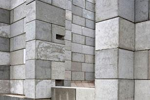DEU, Germany, Neuss, construction of a storagehouse, company Zietschmann, harbour Neuss. Construction with stackable recycling concrete blocks by company Legioblock. Architect: Mike Bollongino