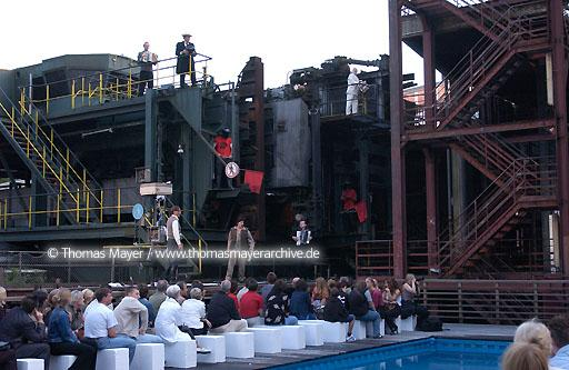 theatre play Union der festen Hand on mine Zollverein