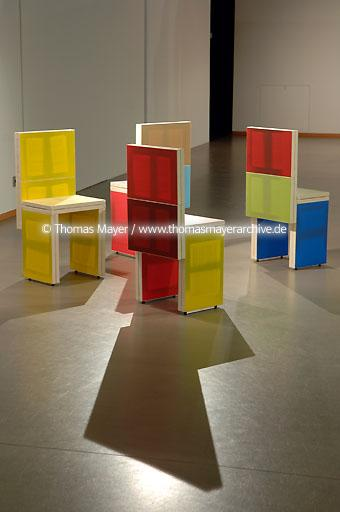 MARTa Herford MARTa (furniture, art, ambience) Herford, Germany, exhibition art as furniture in resistance  091BB20060505_7522