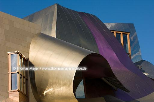 Marques de Riscal Hotel Spain, Elciego, Marques de Riscal Hotel in the heart of the Bodega Riscal, design architects Gehry Partners Los Angeles, USA, executive architects IDOM Bilbao, constructor Ferrovial Spain  068CA20060829D4736