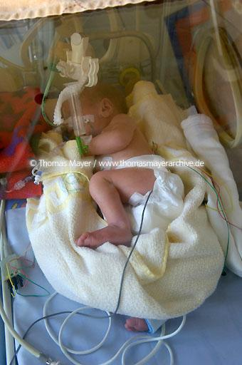 pediatric clinic Germany, Dusseldorf, Kaiserswerther Diakonie, pediatric clinic, new born intensive care  129AF20060502D2196