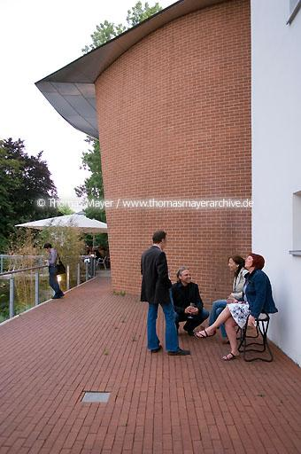 MARTa Herford DEU, Germany, Herford, Museum MARTa, opening of the exhibition: MARTa is silent. The art of silence from Duchamp to the present day  091BP20070601D1493