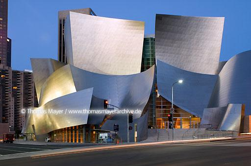 Walt Disney Concert Hall Walt Disney Concert Hall, Los Angeles, USA, architect: Frank O. Gehry  020AL20051019D4011