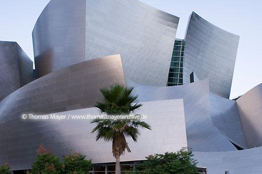 Walt Disney Concert Hall Walt Disney Concert Hall, Los Angeles, USA, architect: Frank O. Gehry  020AL20051019D4037