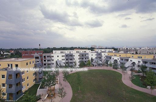 housing Goldstein Frankfurt-Goldstein, housing estate of Nassauische Heimstaette, architect: Frank O.Gehry  009AA19980602A0011