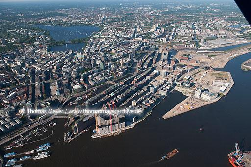 Flugaufnahmen Hamburg DEU, Germany, Hamburg, aerial view to Speicherstadt, Hafencity, and construction site Elbphilharmonie  110BK20100602D0006