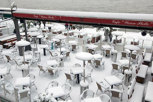 Rheinuferpromenade D Ef Bf Bdsseldorf Cafe