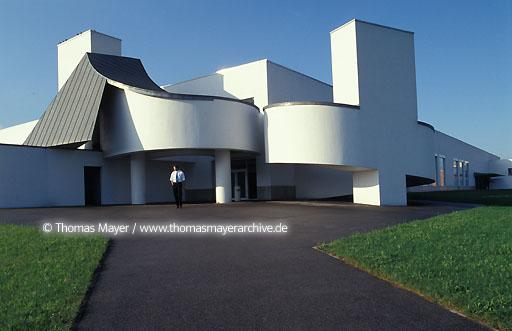 Vitra Design Museum Vitra Design Museum in Weil am Rhein, Germany, the first building of architect Frank O.Gehry in Europe  005AA19980601A0023