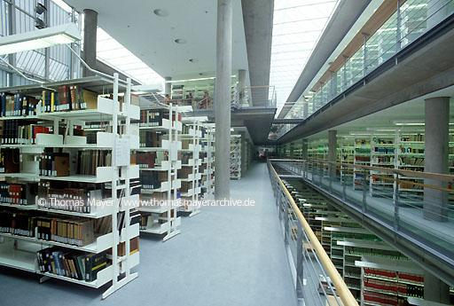 Universitiy Library Goettingen Goettingen, University Library, catalogue, architect: Prof. Gerber & Partner  039AA19980621A0056