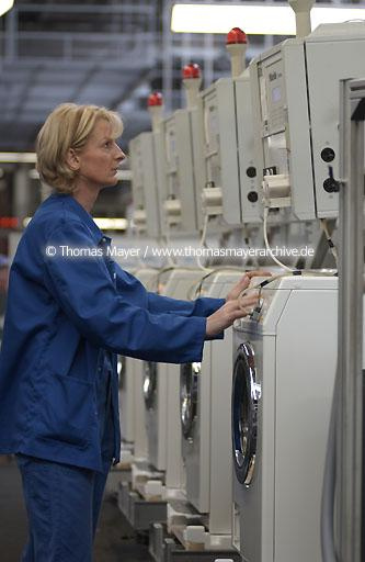 production of washing machines, Miele Miele, Guetersloh, Germany, production and assembly of washing machines  093AB20020617D4808