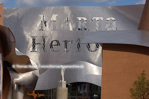 MARTa Herford MARTa Herford, culture house for furniture, art and ambience, architect: Frank O. Gehry, executive architect: Hartwig Rullkoetter, artistic director: Jan Hoet  091AN20050518D1523