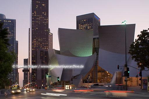 Walt Disney Concert Hall Walt Disney Konzert Halle in Los Angeles, USA, Architektur von Frank O. Gehry  020AL20051019D5446