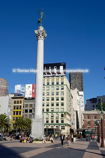 San Francisco Union Square in San Francisco  020AP20051023D6325